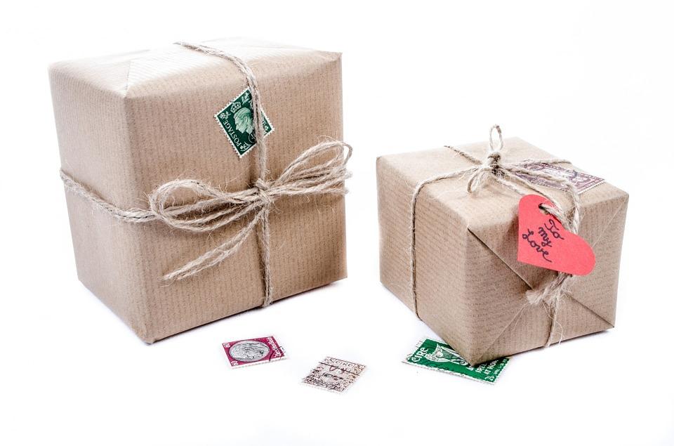 zabalené papírové krabice